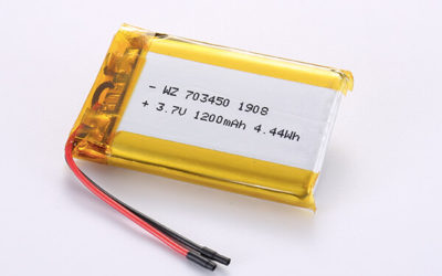 Rechargeable LiPo batteries LP703450 3.7V 1200mAh with 4.44Wh